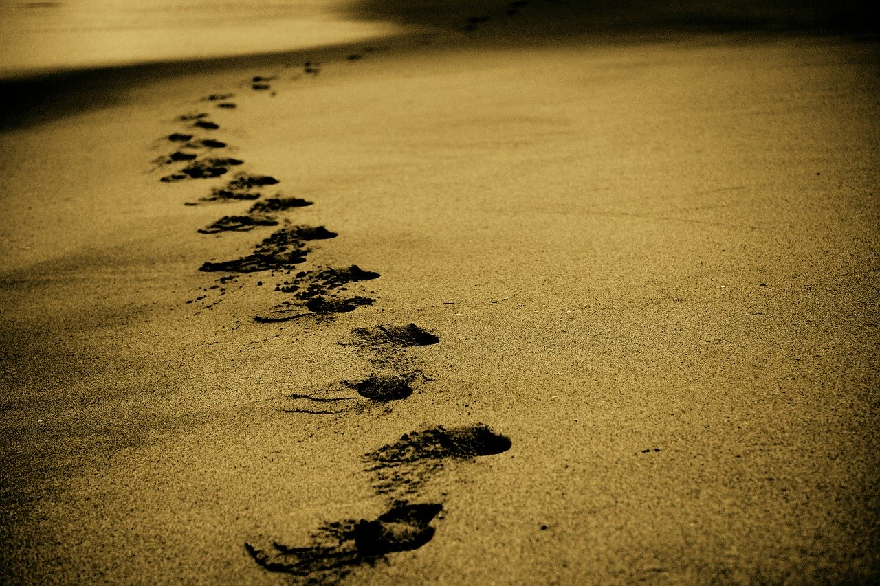 many steps in the sand