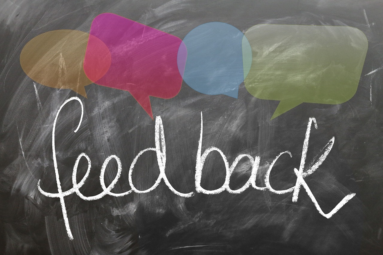 Aleks Vladimirov , blog on product development. The picture represents the word feedback.